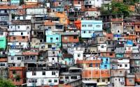 Фавелите на Рио де Жанейро са се превърнали в символ на скритата страна на бразилската екзотика и разкош