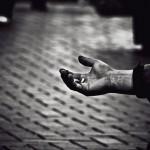 Ефектите на бедността не се изчерпват с хората, просещи на улицата.